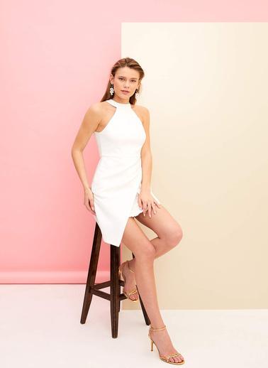 DeFacto Halter Yaka Kısa Gece Elbisesi Beyaz